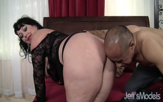 heavyweight hoochie alexis couture pleases this