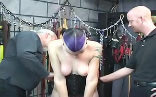 sexy s&m goth playgirl gets arse spanked with