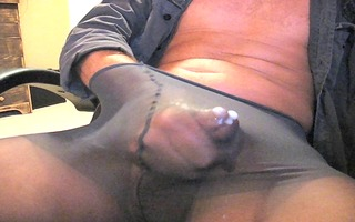 one more load in my pantyhose