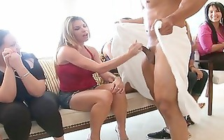 young hawt beauty loves to engulf dick