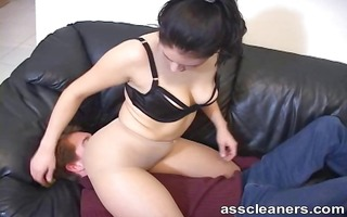 stick your tongue inside the domme booty gap