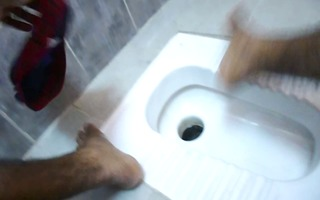 pissing indian pounder