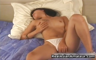oriental nympho wets her pants on a solo