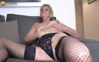 old but still hot granny and her snatch