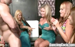 dancingcock glamorous milfs oral-stimulation party
