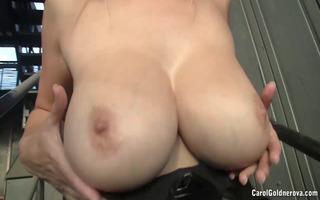dominatrix-bitch carol goldnerova