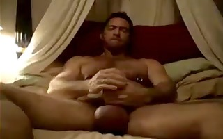 muscled daddy rubs one out