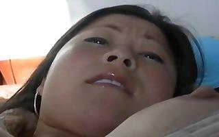 real oriental gf courtney sliding sex-toy