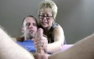older d like to fuck in spex sucks and tugs for
