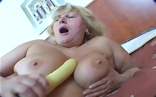 chunky blonde aged masturbation on bed