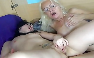 oldnanny old lady licking cum-hole of a glamorous