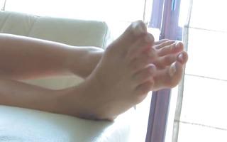 astonishing blond with pretty feet