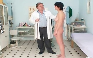 slim mother i weird cunt fingering by gyno doctor