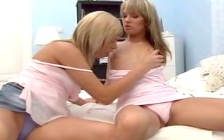 blue beauty & donna bell enjoying the pussy