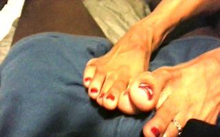 foot teasing by latinas hot feet 1