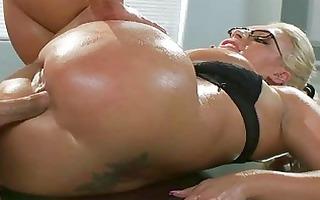 heavy titties d like to fuck sadie swede oily