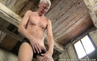hung daddy likes ache