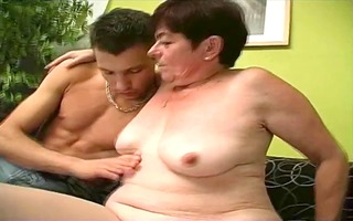 unattractive older seduces a chap and sucks his