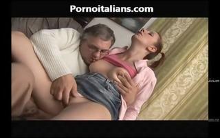 incesto italiano ragazza italiana fa pompino allo