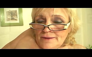 saggy titted granny in glasses and stockings