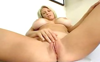 sexy mother i cleans the abode and drains the cum