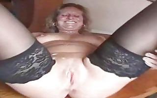 bulky aged slut in nylons is a creampie ho