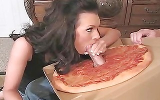dark brown d like to fuck housewife engulfing a