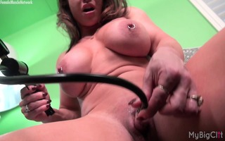 brandimae and her clitoris pump
