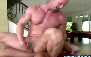see those muscley chaps cum